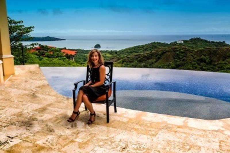 Nadine Hays Pisani - Expat in Costa Rica