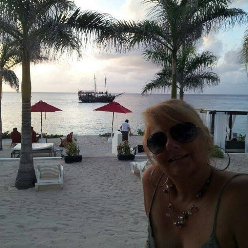 Laura Wilkinson - Expat in Cozumel, Mexico